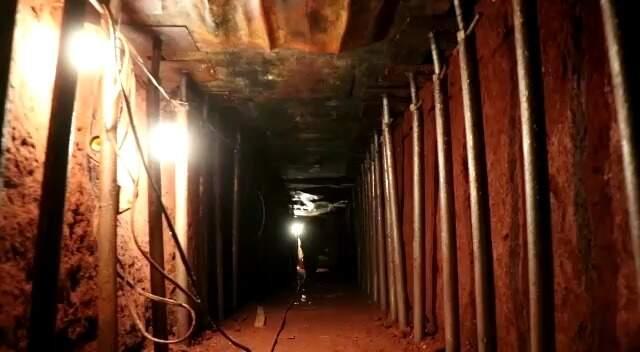 Túnel escavado pela quadrilha, trabalho feito pelos 'tatus' do bando (Foto/Arquivo: Henrique Kawaminami)