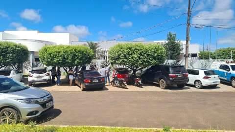 Decreto de lockdown em Coronel Sapucaia tem protesto de vereador e comerciante