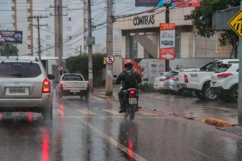 Chuva continua na Capital e em grande parte do Estado nesta terça-feira