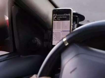 Acusado de assédio, motorista de app diz que expulsou passageira de carro