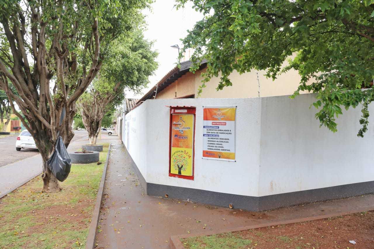 Geladeira no bairro Monte Castelo, instalada há 6 meses (Foto: Paulo Francis)