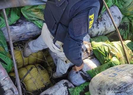 Polícia Rodoviária apreende carreta com 20 toneladas de contrabando