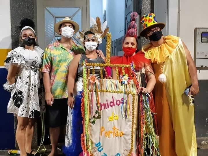 Amigos criaram bloco Unidos do Portão e fizeram Carnaval delivery.