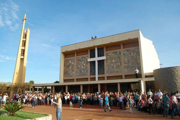 Igreja matriz em Rio Brilhante, em 2013. (Foto: Rádio Coração)