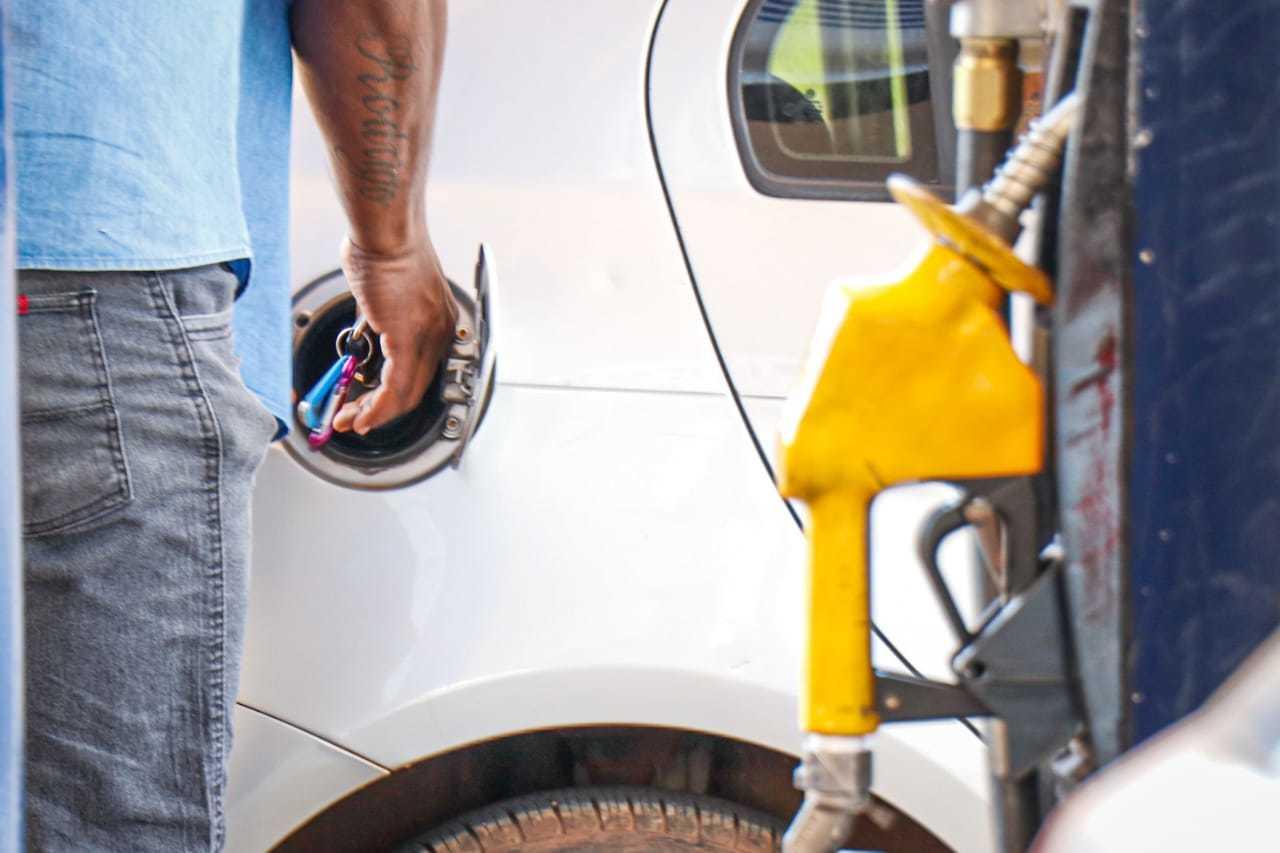 Preço da gasolina sofrerá novo reajusta, nesta sexta-feira (Foto: Henrique Kawaminami)