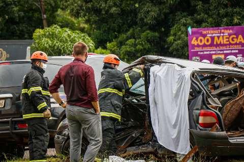Motorista que matou 2 em acidente na Guaicurus é indiciado por homicídio doloso