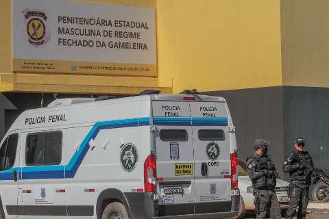 Defensores visitam Gameleira para analisar denúncias e conversar com presos