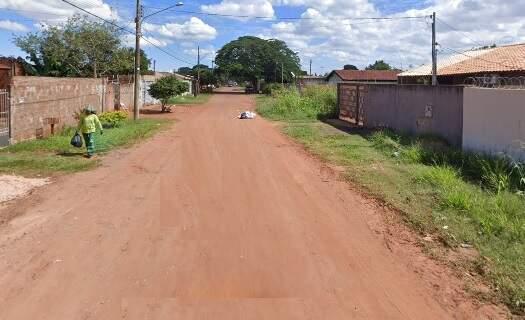 Vítima morava na rua Naor Lemes Barbosa, no Jardim Itamaracá. (Foto: Reprodução Google Maps)