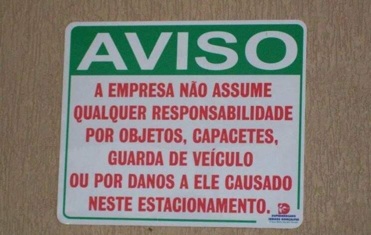 Placas em estacionamentos são alvo de projeto de lei em Campo Grande. (Foto: Reprodução)