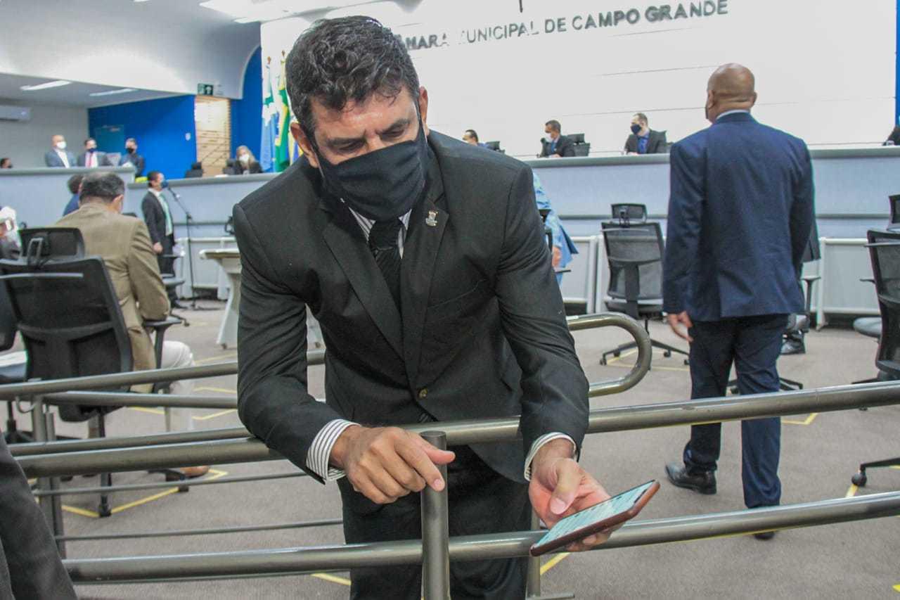 Beto Avelar diz que recebe cerca de 60 solicitações diárias. (Foto: Marcos Maluf)