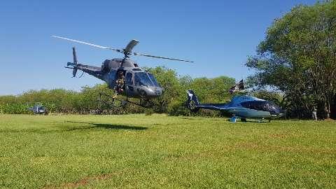 Operação usando helicópteros brasileiros ataca roças de maconha na fronteira