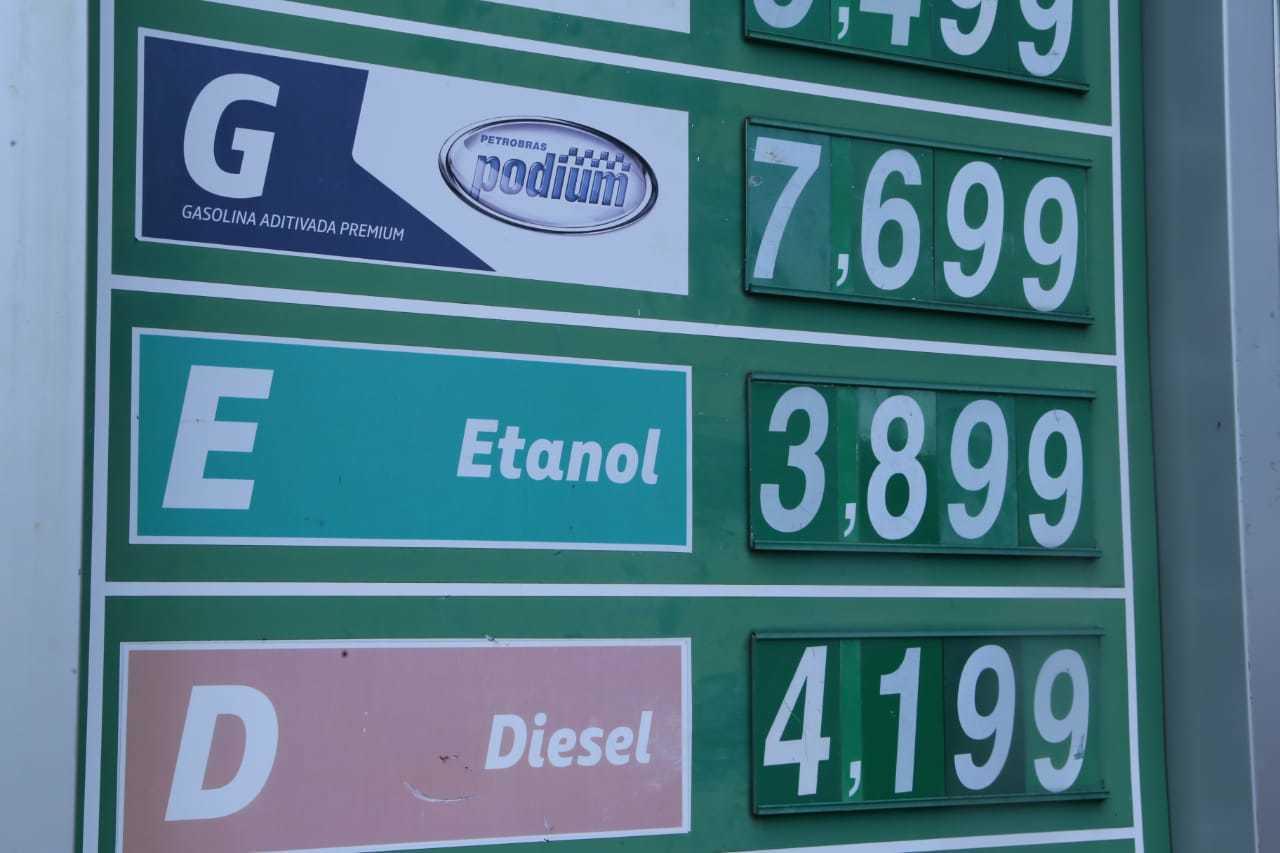 Preço do etanol na região central varia de R$ 3,67 para R$ 3,99 (Foto: Kisie Ainoã)