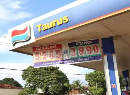 Postos ameaçam zerar abastecimento de viaturas e governo reage atualizando preço