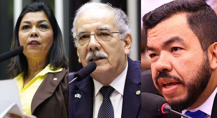 Da esquerda para direita deputada Bia Cavassa (PSDB), Dr. Luís Ovando (sem partido) e Carlos Loester (PSL) favoráveis a tramitação da PEC 53 (Foto Reprodução)