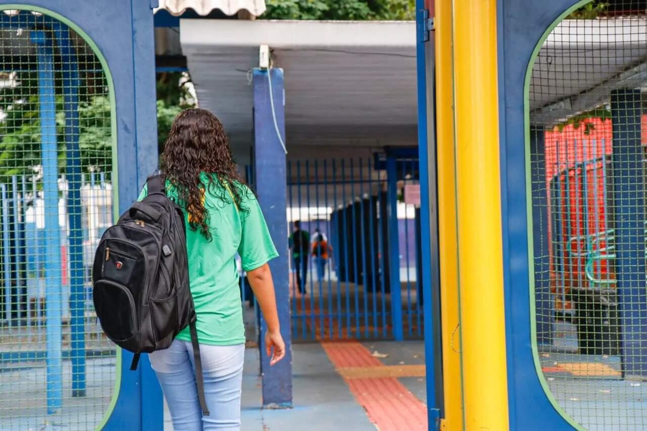 """Ensino presencial na rede estadual começa em abril, mas alunos já vão para """"acolhida"""" nas escolas a partir de segunda-feira. (Foto: Arquivo/Henrique Kawaminami)"""