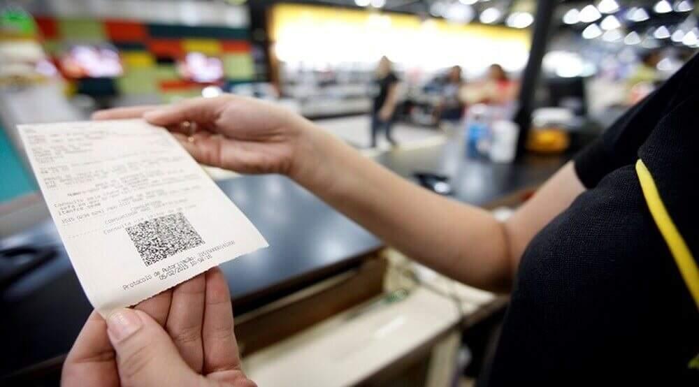 Inclusão de CPF na nota fiscal gera automaticamente as dezenas para sorteio. (Foto: Arquivo)