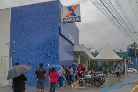 Previsão é de volta do auxílio em torno de R$ 250 até junho, diz Lira