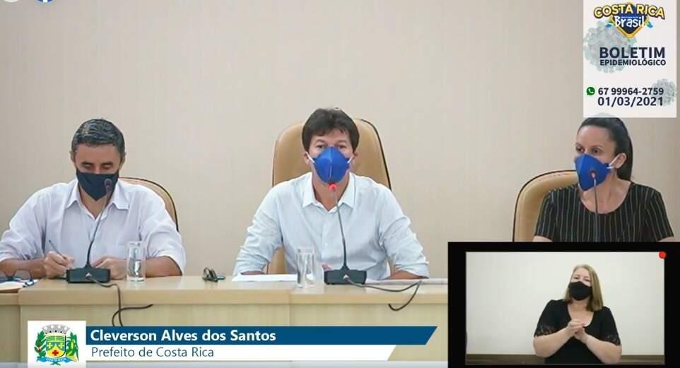 Prefeito durante live realizada na Câmara Municipal de Costa Rica (Imagem: Redes sociais)