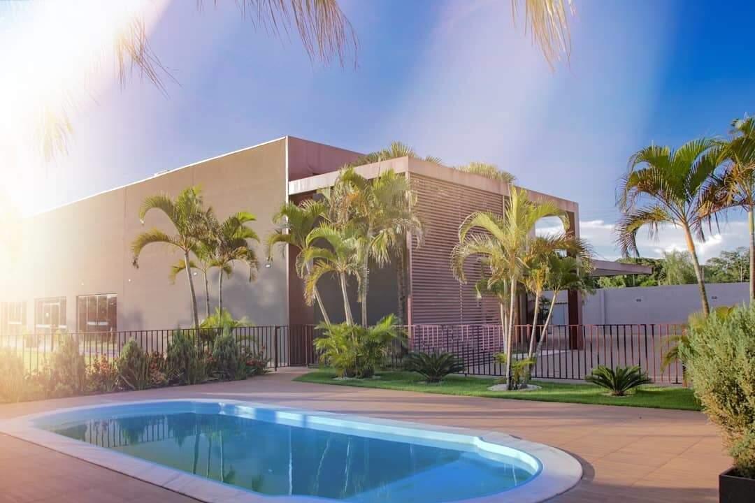 Jardim também conta com piscina para uma diversão extra e refrescante (Foto: Divulgação/Espaço Kanindé)