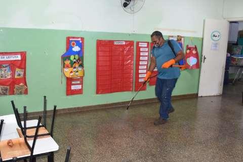 Escolas municipais recebem serviço de desinfecção contra covid-19