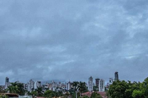 Chuva não dá trégua nesta sexta-feira, de acordo com meteorologia