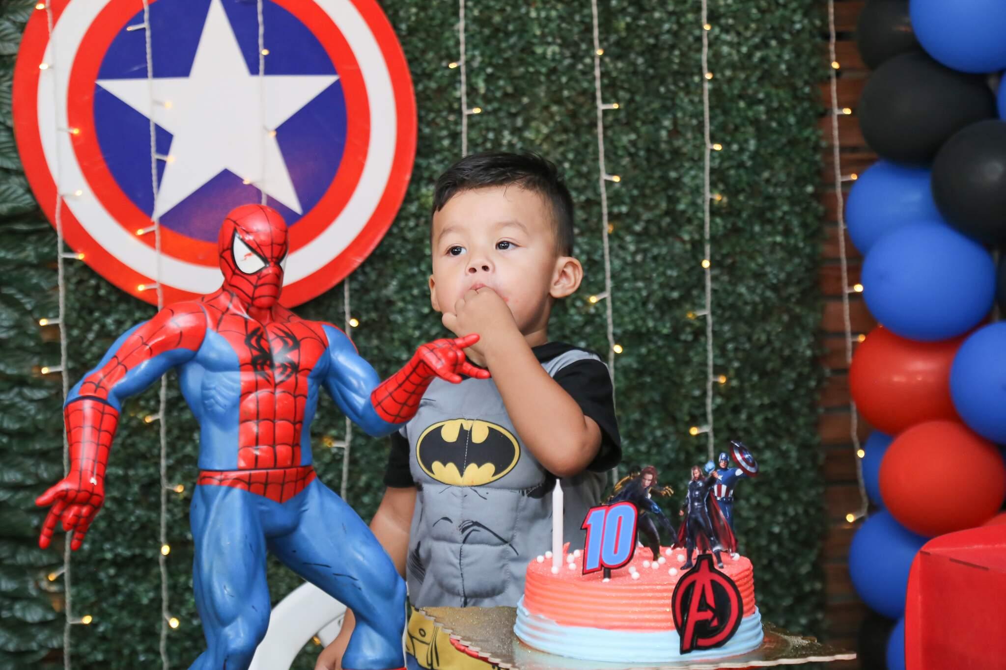Heitor completou dois anos e nunca tinha ganhado festa de aniversário (Foto: Kísie Ainoã)