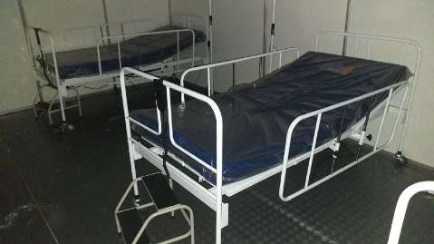 Estado recorre à Justiça para saber o que faz com 200 camas estocadas