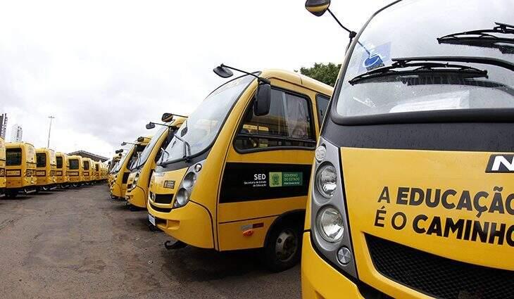 Entrega de ônibus com Ministro da Educação, Milton Ribeiro, acontece na tarde desta segunda-feira (08) (Foto Divulgação)