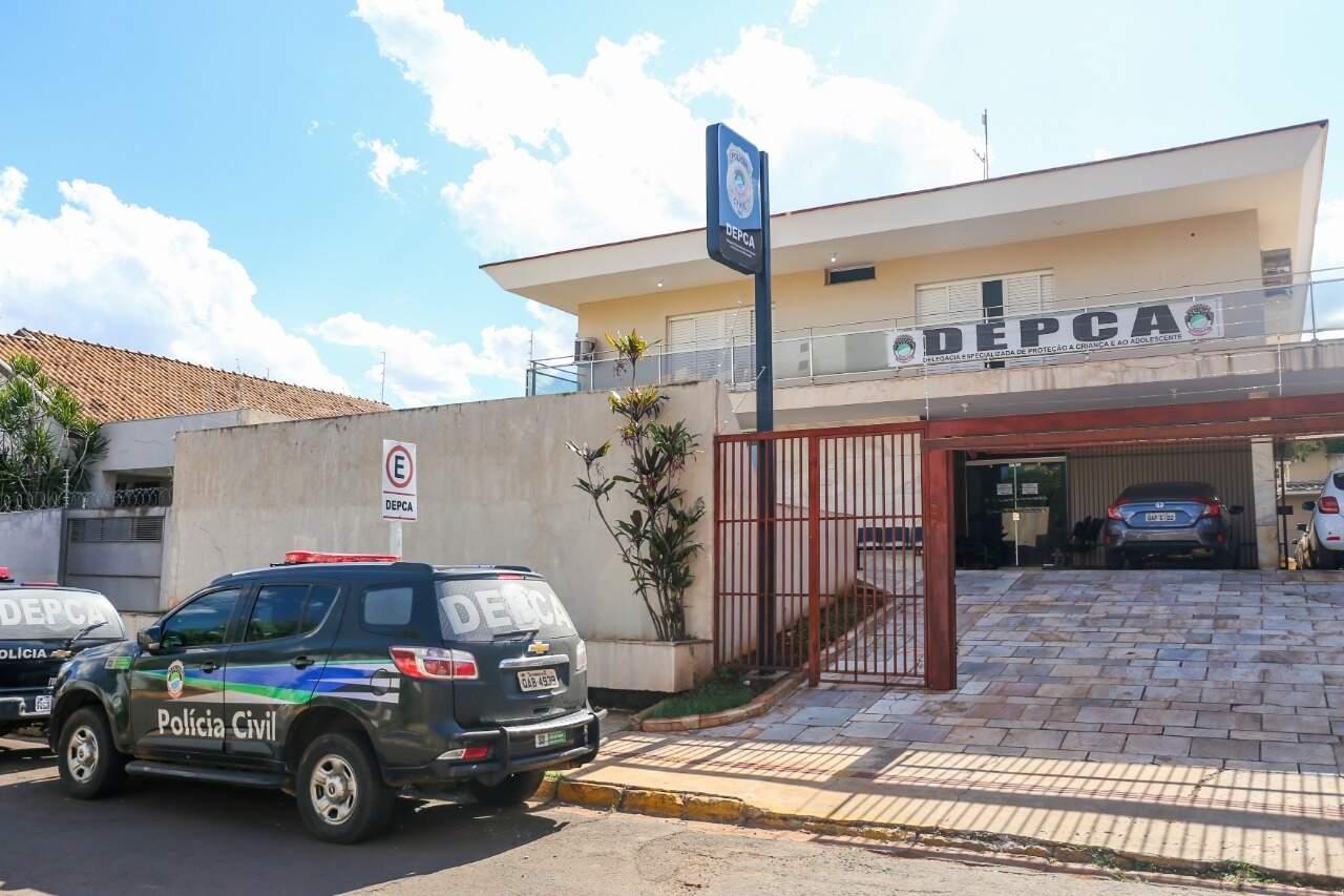 Delegacia Especializada de Proteção à Criança e ao Adolescente onde caso segue sendo investigado (Foto: Paulo Francis)