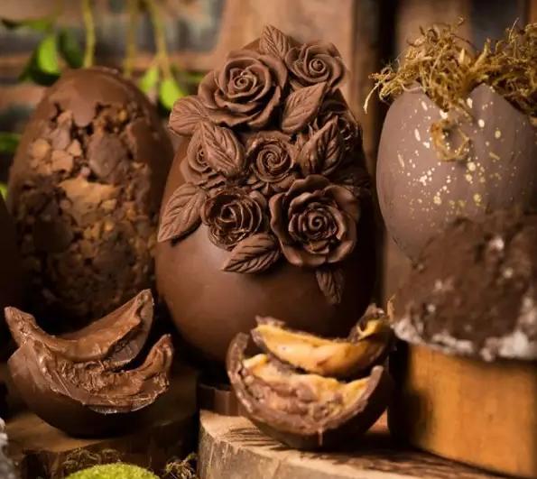 Decoração digna de alta confeitaria chama atenção para a Páscoa (Foto: Reprodução/Instagram)