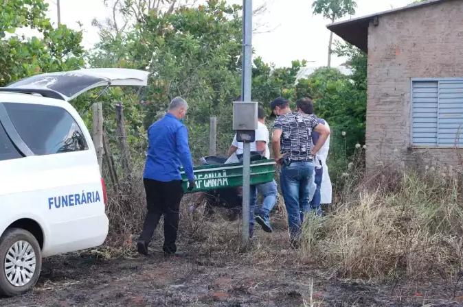Terreno em que restos mortais de chargista foram encontrados (Foto: Arquivo/Kísie Ainoã)
