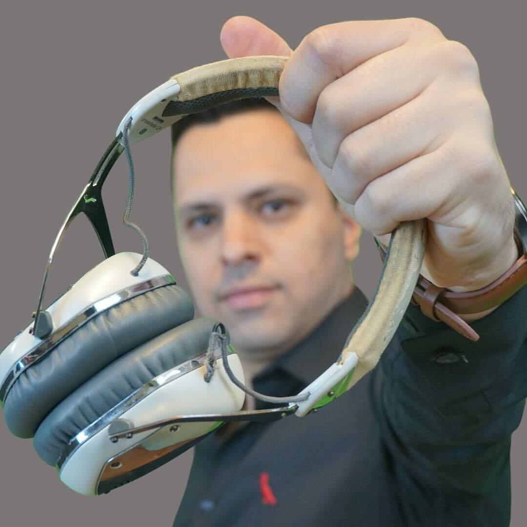 Danilo Bachega é DJ há 25 anos (Foto: Arquivo Pessoal)