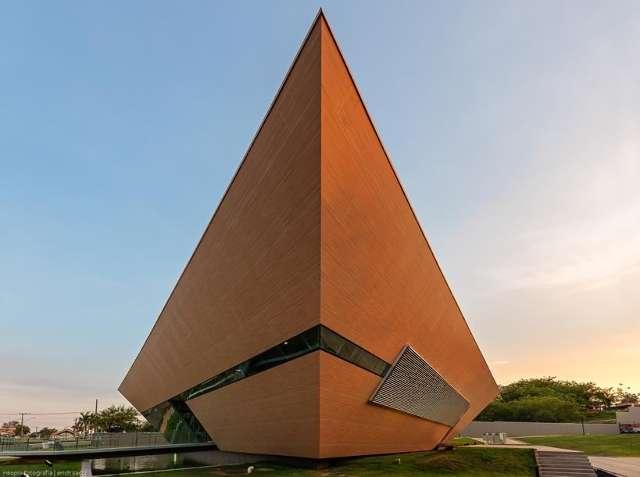 Arquiteto Gil Carlos de Camillo: sua trajetória e inspirações