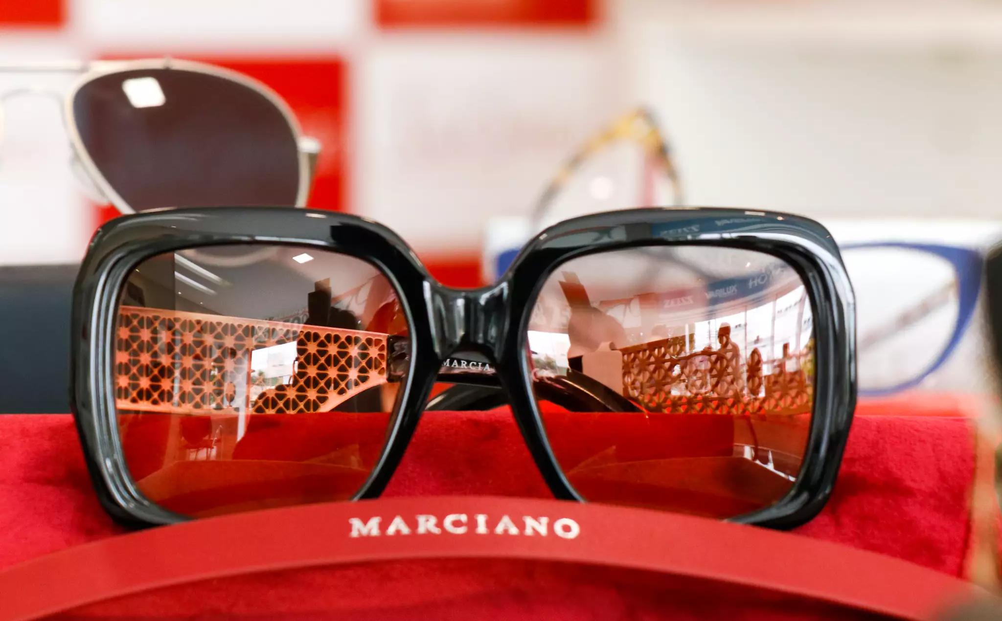 Óculos de sol ou de grau, para o dia a dia ou mostrar estilo, Sua Óptica tem opções certas (Foto: Henrique Kawaminami)