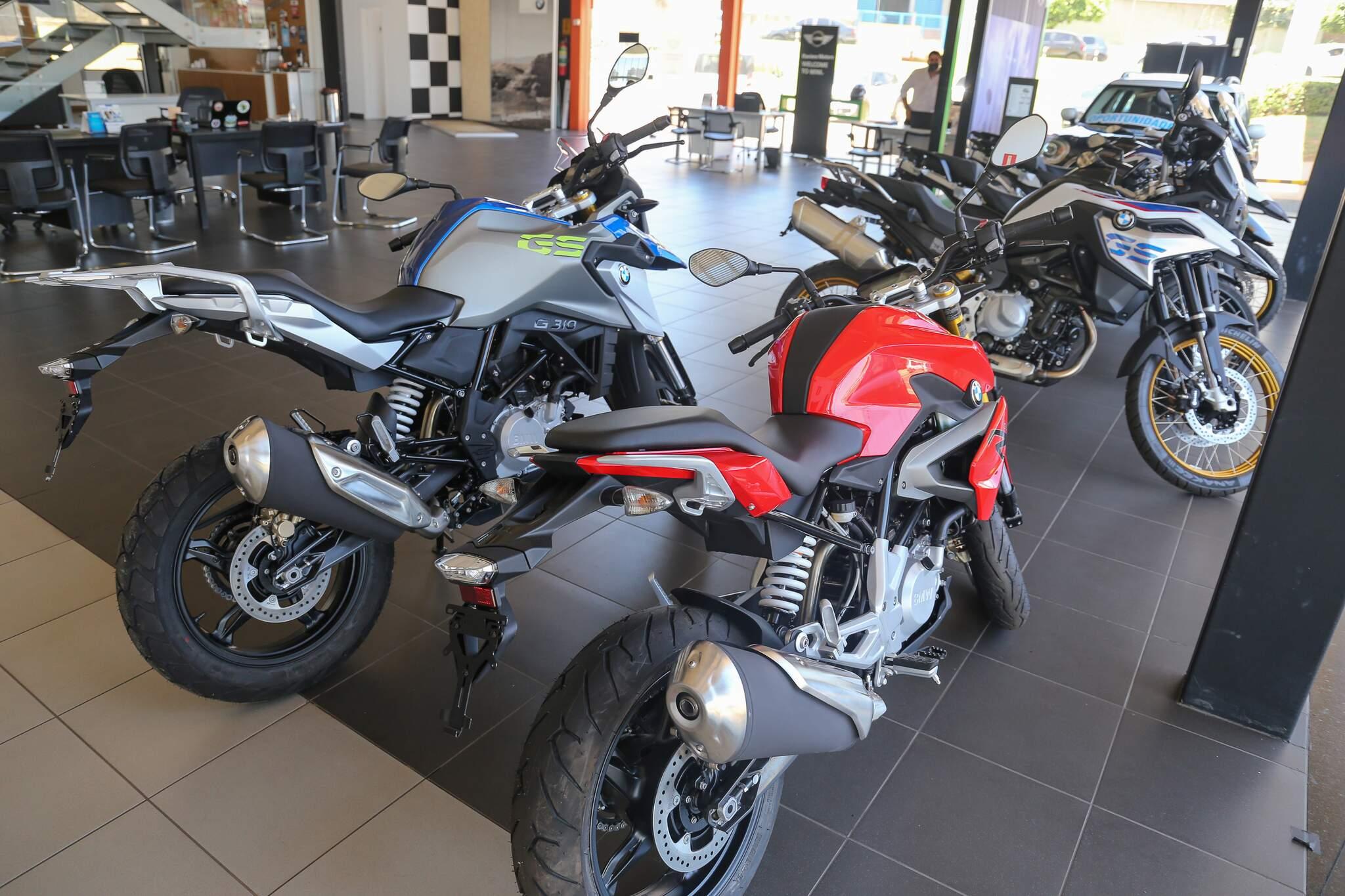 Até as motos importadas estão com modelo 2021 em falta e a espera pode chegar até 60 dias. (Foto: Paulo Francis)