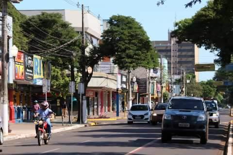"""Prefeitura copia decreto do Estado e """"libera"""" até parques fechados há um ano"""