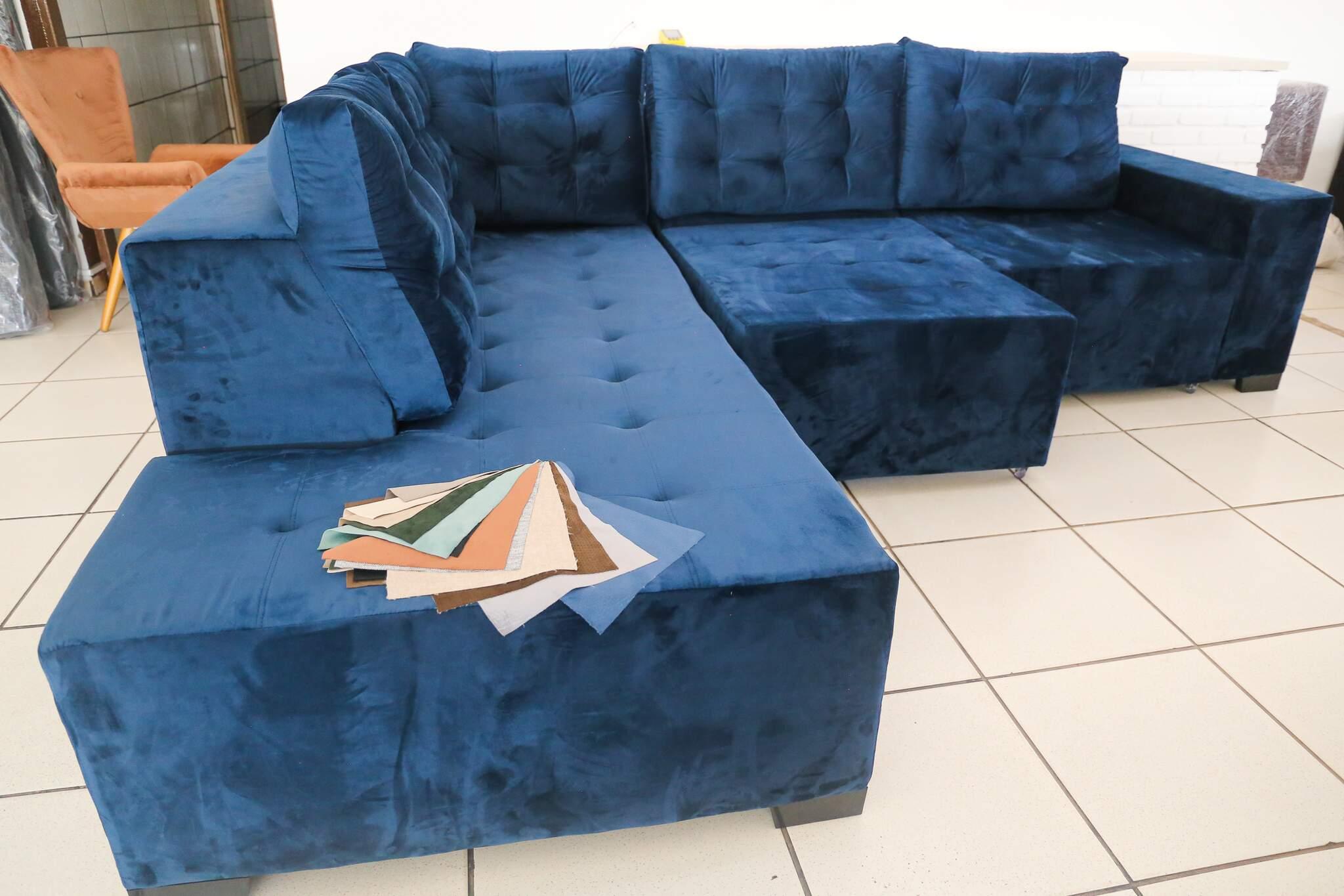 Garanta sofás em diferentes cores e modelos à pronta entrega ou sob medida. (Foto: Paulo Francis)
