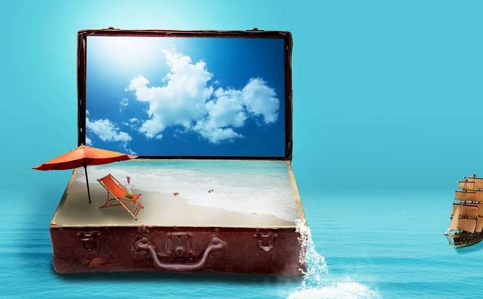 Antes de fazer a mala, a internet é forte aliada na busca das melhores alternativas para montar o seu pacote de viagem, sozinho ou em grupo (Foto: Reprodução)