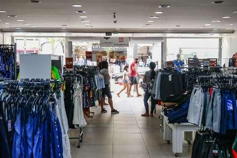 Medo do vírus afasta clientes e queda nas vendas do comércio chega a 80%
