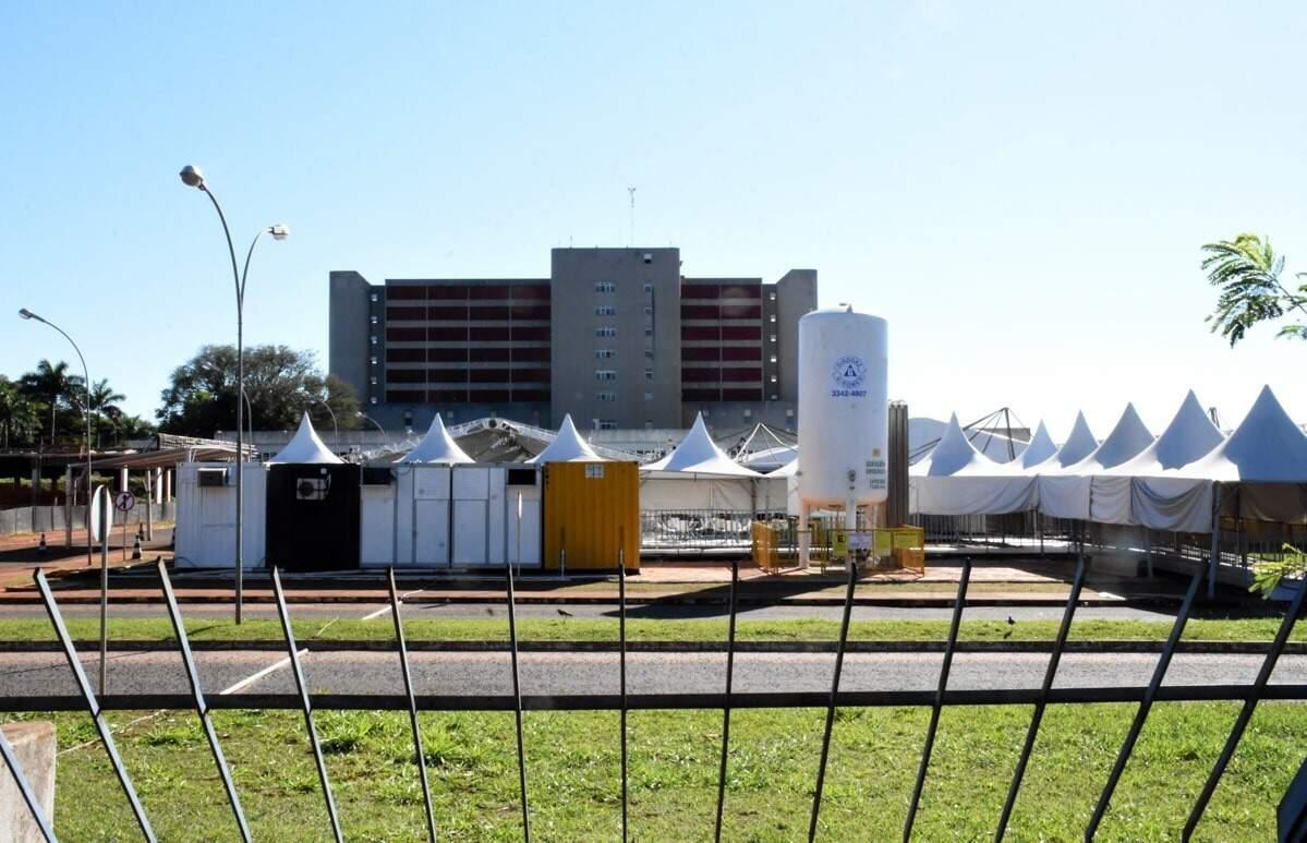 Hospital Regional foi um dos pontos de saúde que tiveram paisagem alterada devido a pandemia (Foto: Roberto Higa)