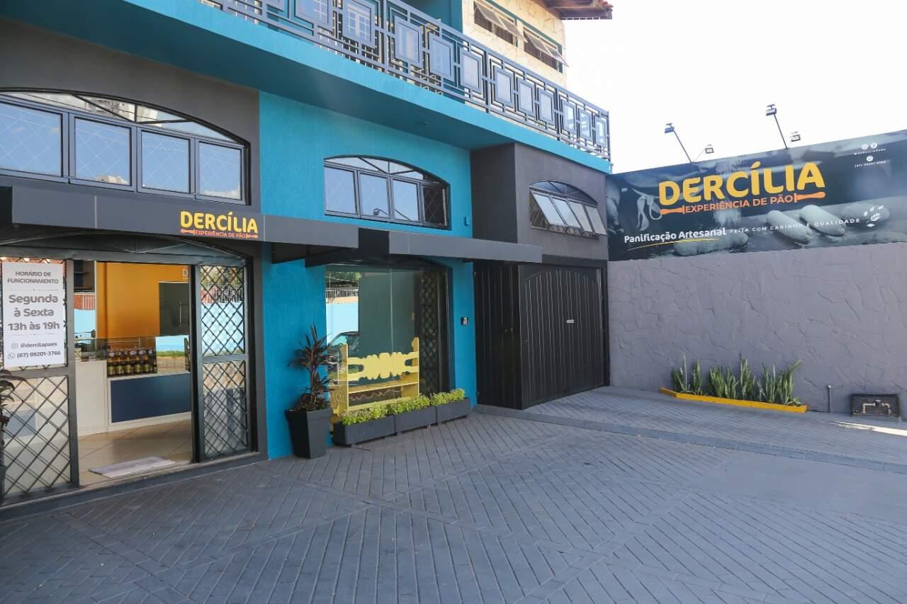Famosa pela produção de pães artesanais, Dercília está em novo endereço