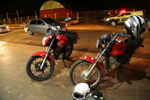 Colisão entre motocicletas deixa trânsito lento na Rua da Divisão
