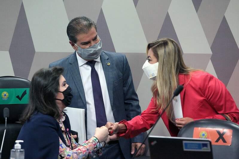 Nelsinho, Simone e Soraya durante sessão da CCJ do Senado, no ano passado (Foto: Roberto Castello/Arquivo/Ascom)
