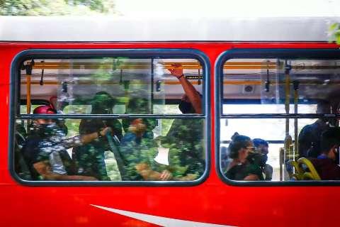 Últimos ônibus do transporte coletivo saem às 22h dos terminais