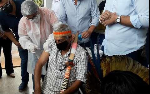 Supremo pressiona por vacina para indígenas desaldeados