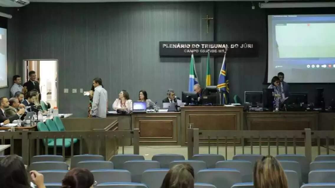 Plenário do Tribunal do Júri em Campo Grande: de 22 a 26, sessões não poderão ser presenciais. (Foto: Arquivo/Campo Grande News)