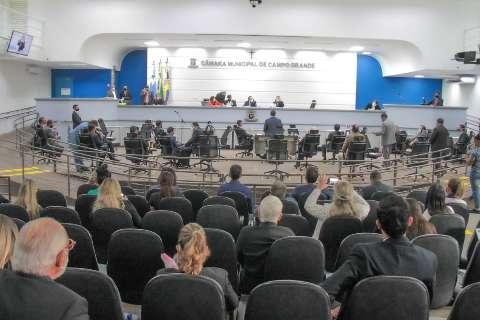 Vereadores votam projeto que autoriza antecipação de feriados