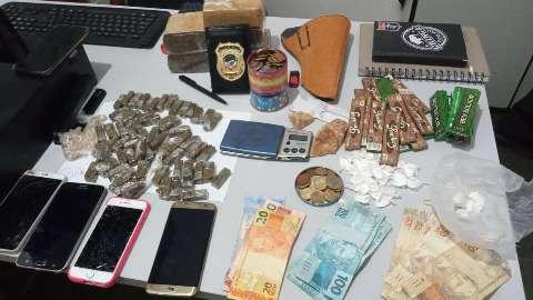 Dois são presos por tráfico de drogas e lavagem de dinheiro no comércio