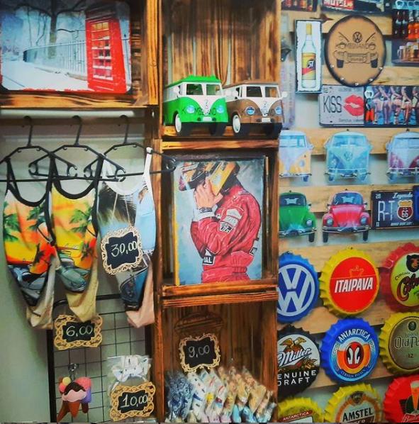 Kassandra vende e fabrica vários tipos de artesanato (Foto: Arquivo Pessoal)