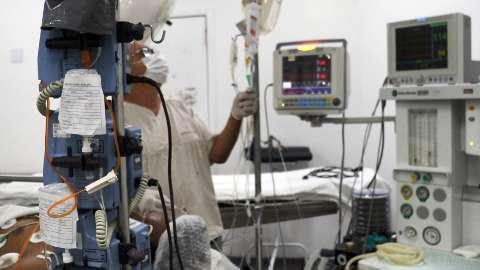 Medicamentos só dão para 5 dias em alguns hospitais de MS